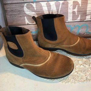 Sorel Boots Slip on size 10